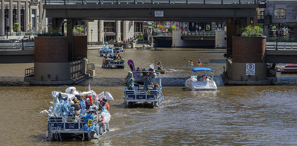 Boat parade on Milwaukee River
