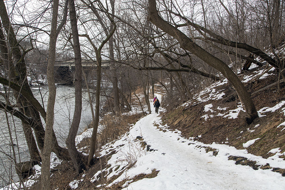 East Bank Trail approaching Capitol Drive