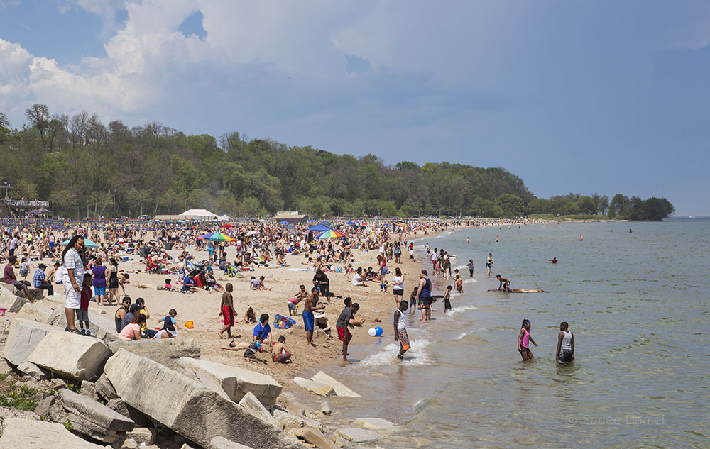A Memorial Day weekend crowd at Bradford Beach
